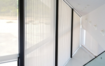 Cortinas de Lamas Verticales y estores enrollables screen opacos
