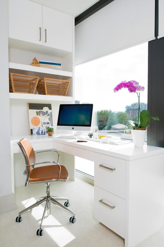 estor screen home office